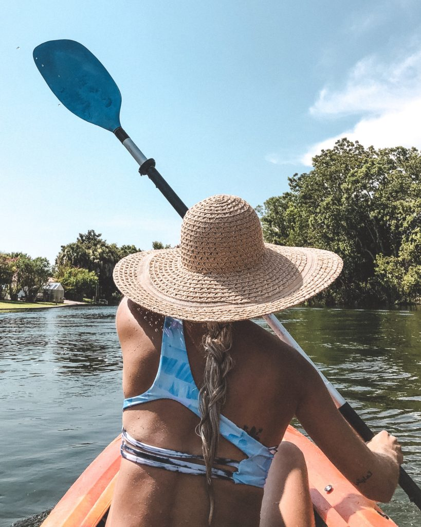 kayaking to three sisters springs in crystal river, florida - florida state parks, best of florida, where to go in florida, the best florida springs day trips in florida #florida #sunshinestate #kayaking #outdoors