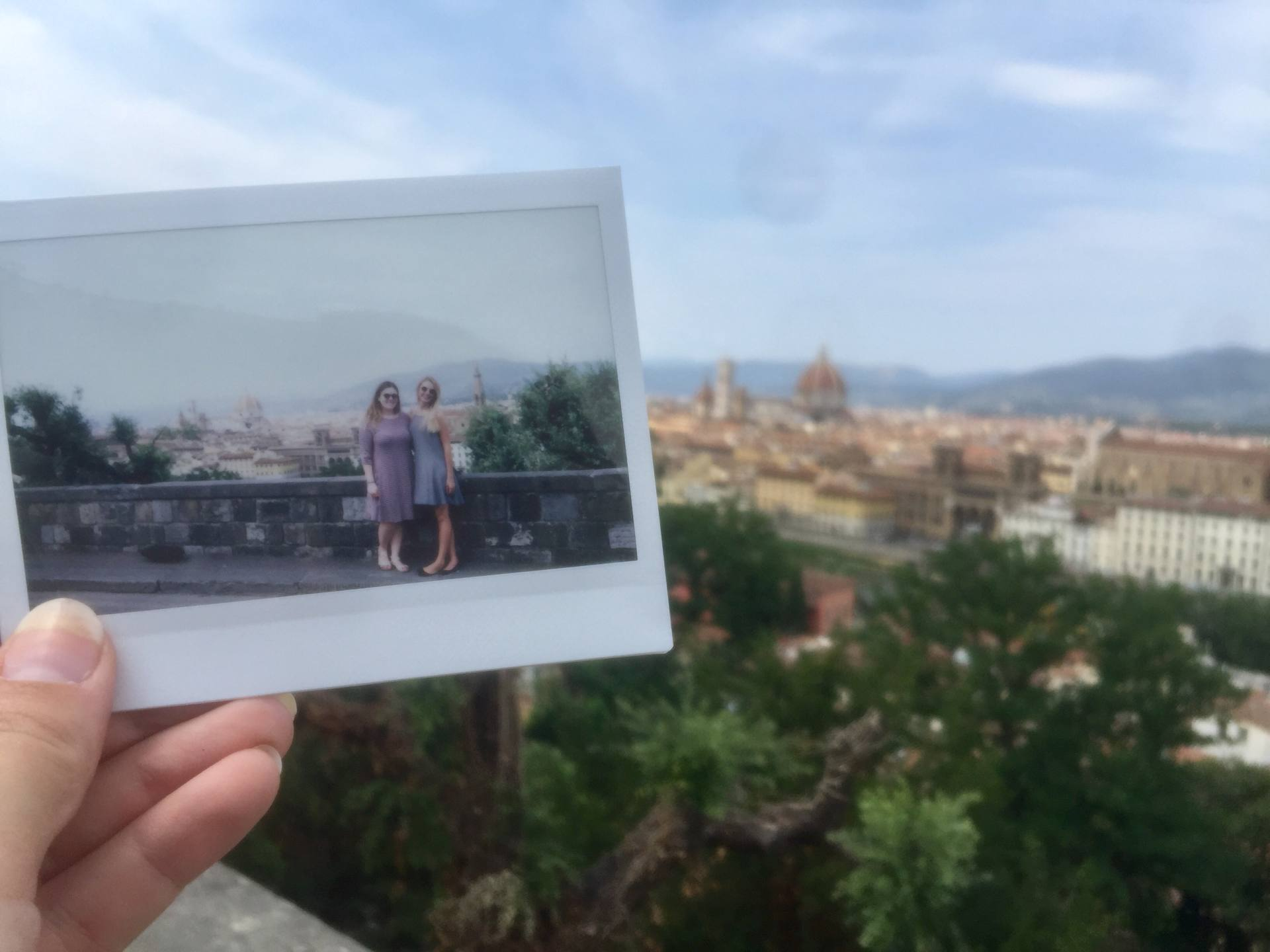polaroid cameras are great christmas gifts for travelers